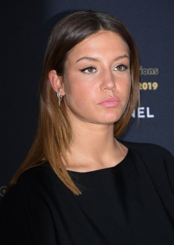 Adèle Exarchopoulos as Athena in Olympia