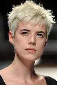 Agyness Deyn as Lizzie Tristram in The American