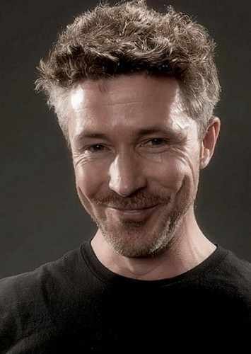 Aidan Gillen as Prof. Dent in Dr No Remake