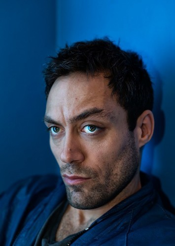 Alex Hassell as Vicious in Cowboy Bebop
