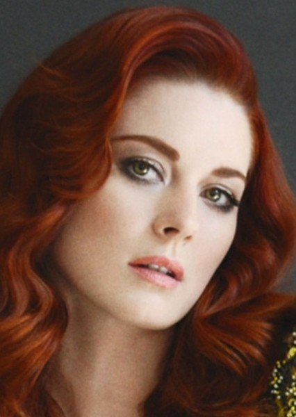 Alexandra Breckenridge as Poison Ivy in Gotham City Sirens