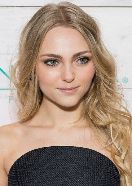 AnnaSophia Robb as Nancy Drew in Nancy Drew: Warnings at Waverly Academy