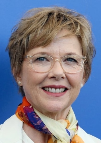 Annette Bening as Elizabeth Warren in Shattered
