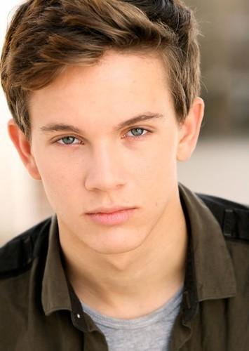 Austin P. McKenzie as Jeremy in The Vampire Diaries