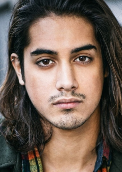 Avan Jogia as Jasmine in Female Disney Characters (Genderswap)