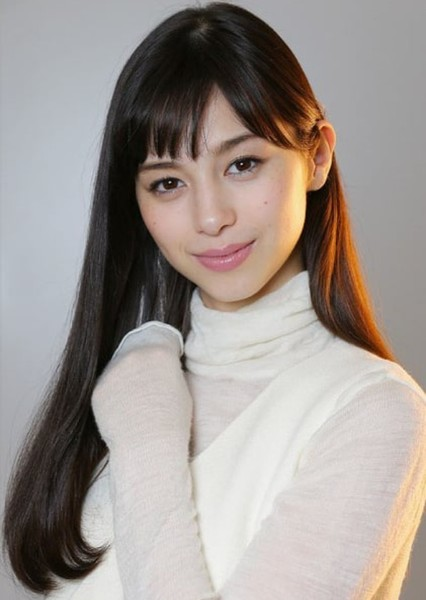 Ayami Nakajo as Lia in Crave