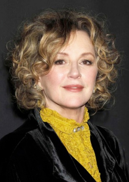 Bonnie Bedelia as Lara Lor-Van in Man of Steel (1999)