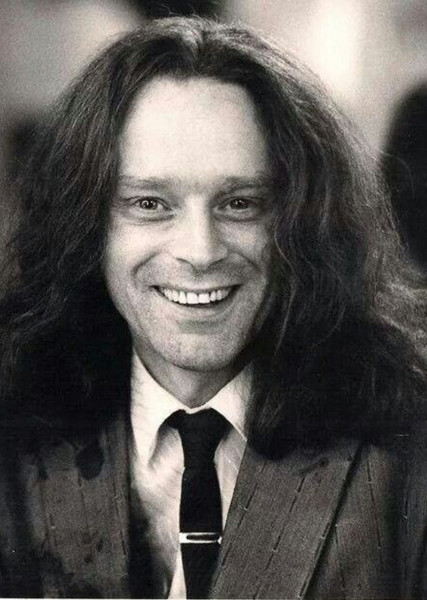 Brad Dourif as Victor Zsasz in Birds of Prey (and the Fantabulous Emancipation of One Harley Quinn) (1990)