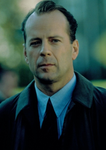 Bruce Willis as Airport Man in Collateral (1994)
