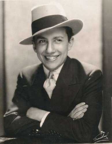 Carl Laemmle Jr. as Producer in The Perfect Dracula Movie