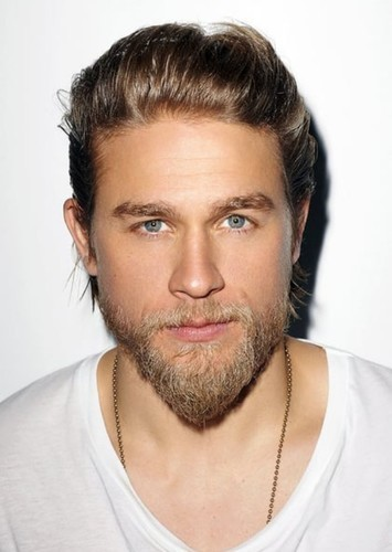 Charlie Hunnam as Green Arrow in DC Universe Reboot - Fan Casting