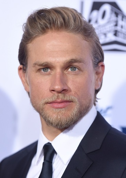 Charlie Hunnam as Green Arrow in DCRU Heroes Casting
