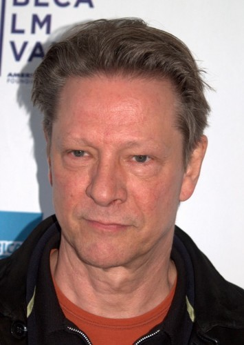 Chris Cooper as Thomas's father in Rockin' on Heaven's Door