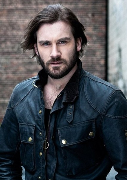 Clive Standen as Mandorallen in The Belgariad