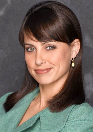Constance Zimmer as Piper in America's Most Eligible: Season 10