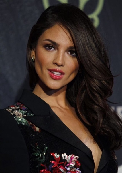 Eiza González as Wonder Woman in WONDER WOMAN : NEW LIFE , NEW CHALLANGE