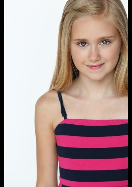 Emily Skinner as Pink Ranger in Power Rangers Next Adaptations: Ryusoulger