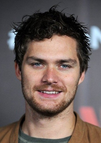 Finn Jones as Tommy Merlyn in Green Arrow : Choose Your Destiny