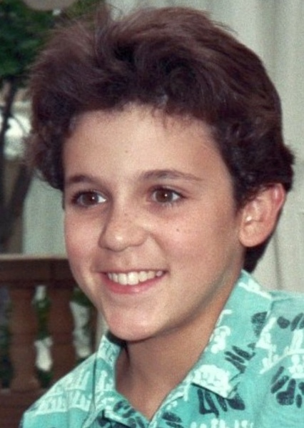 Fred Savage as Jacob Thrombey in Knives Out (1989)