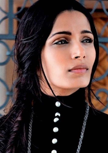 Freida Pinto as Cassandane in Cyrus