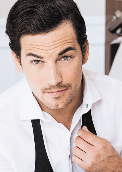 Giacomo Gianniotti as Bruce Wayne in Arrowverse