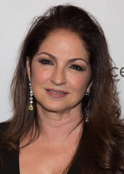 Gloria Estefan as Mama Montana: Tony's disapproving mother in Scarface (2023)