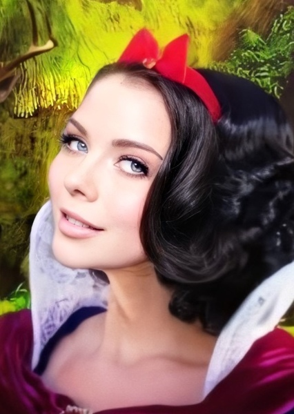 Grace Phipps as Snow White in Red Rose