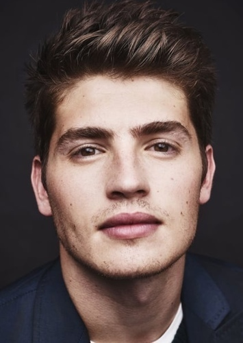 Gregg Sulkin as Richard Sterling in If we were Villains