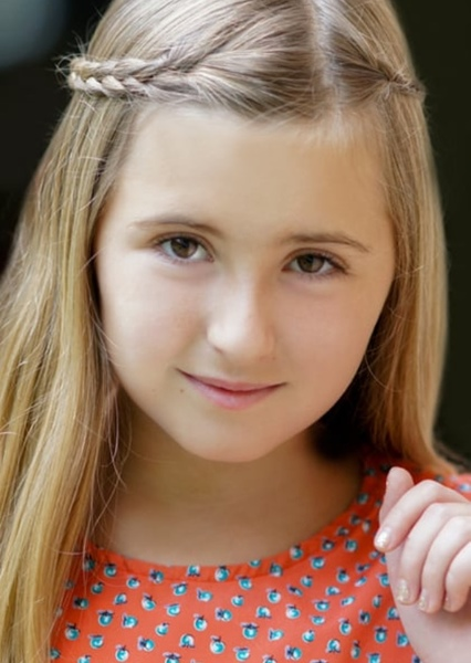 Hadley Belle Miller as Sophia Hewitt in My Sister the Vampire