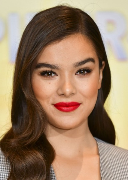 Hailee Steinfeld as Kimberly Hart in Power Rangers