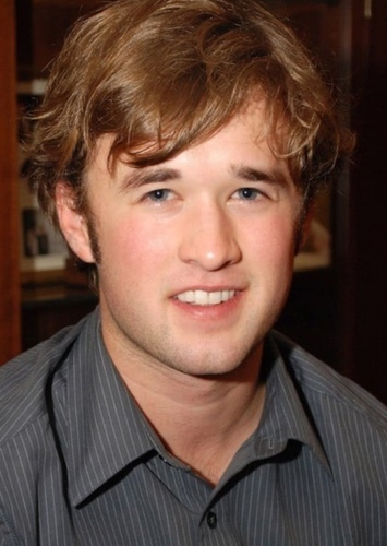 Haley Joel Osment as Oliver Schermerhorn in Everything Sucks! (2008)