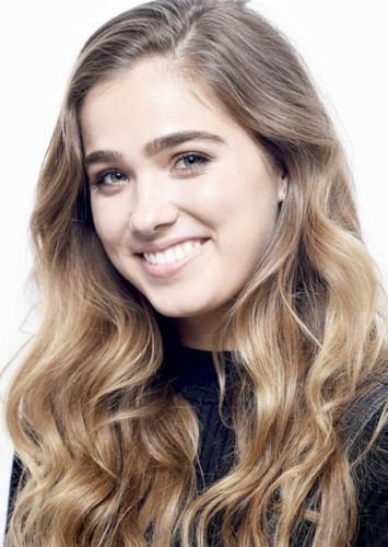 Haley Lu Richardson as Fenna Van De Velde in Nine Arch