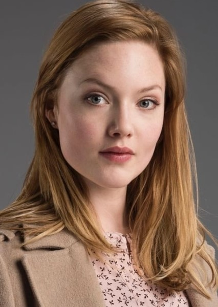 Holliday Grainger as Francesca Bridgerton in The Bridgertons Series