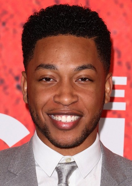 Jacob Latimore as Gavin King in The Bat Family