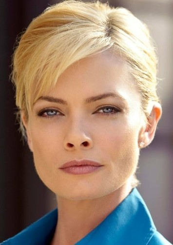 Jaime Pressly as Shannon Crane in Nailbiter