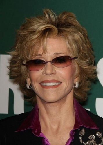 Jane Fonda as Vicenta Benito in Aqui no hay quien viva international