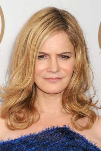 Jennifer Jason Leigh as Linda Drysdale in Tarantino's Knives Out