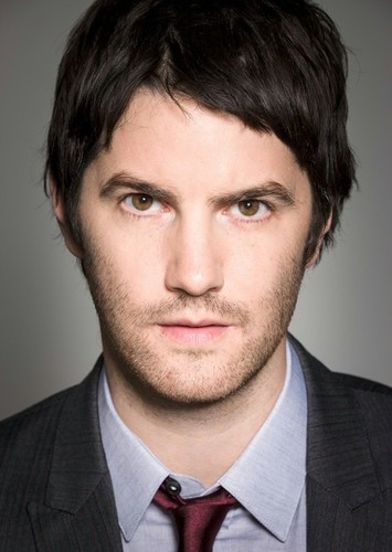 Jim Sturgess as Sherlock Holmes in Scooby Doo and Guess Who? (Potential New Episodes)