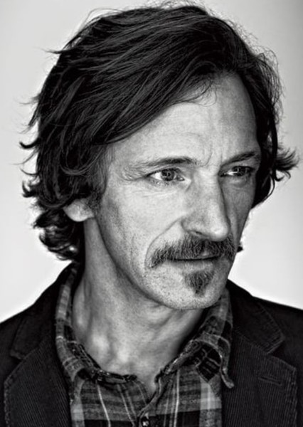 John Hawkes as Tom Purcell in True Detective - Season 3 (1999)