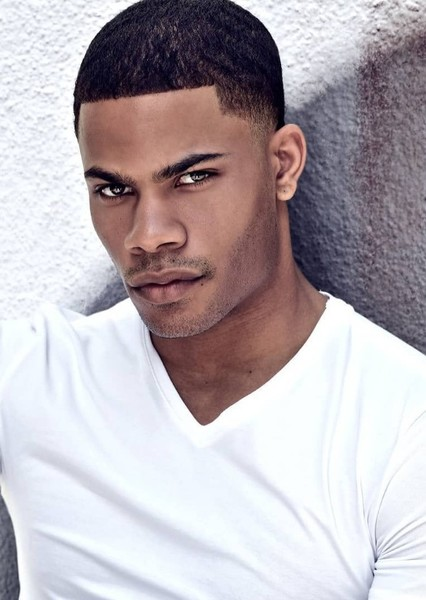 Jordan Calloway as Victor Stone in Teen Titans: