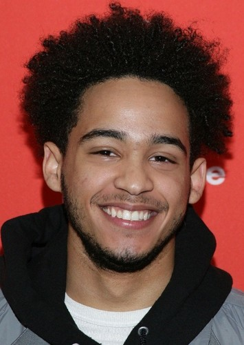 Jorge Lendeborg Jr. as Memo in Bumblebee The Yellow Agent