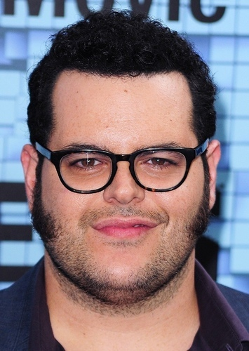 Josh Gad as Dennis/Eldona in Nothing But Trouble