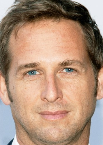 Josh Lucas as Army Capt. Roth in Invaders From Mars(2023)