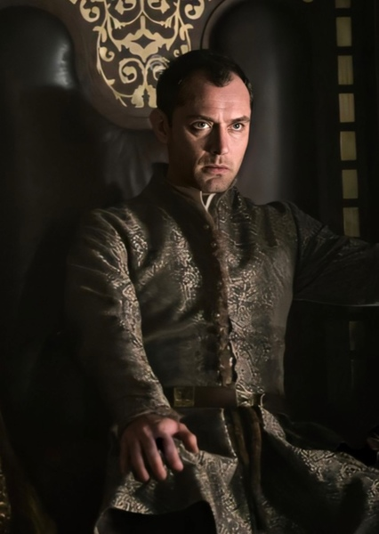 Jude Law as Huntsman in Red Rose