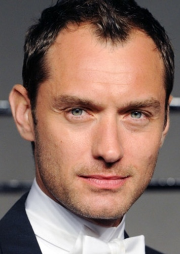Jude Law as Albus dumbledore in Harry Potter