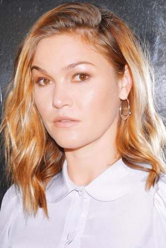 Julia Stiles as Diana Conn (née Pullam) in All Grown Up