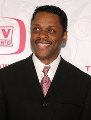 Lawrence Hilton-Jacobs as Joe Jackson in J5