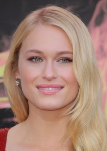 Leven Rambin as Glimmer in The Hunger Games