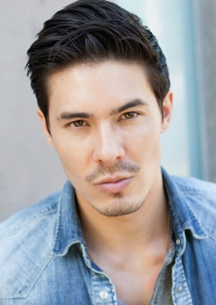Lewis Tan as Cole Young in Mortal Kombat 2021 sequel