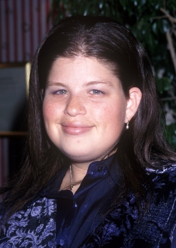 Lori Beth Denberg as Amethyst in Steven Universe (90s live action movie)